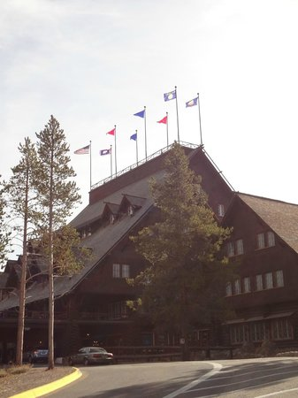 Old Faithful Inn:                   Front of hotel