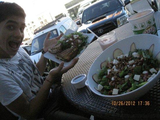 Super Salads :                   ensalada capri paradiso