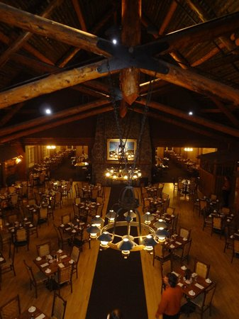 Old Faithful Inn :                   Dining Room