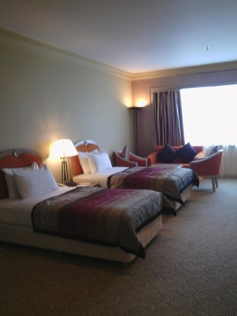 M.S. Garden Hotel Kuantan: Twin bed