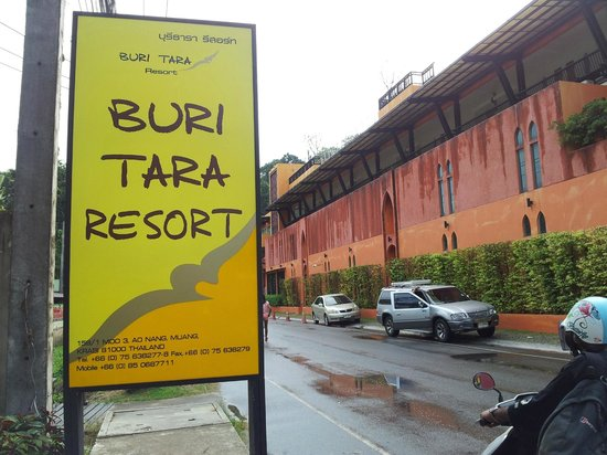 Buri Tara Resort: hotel sign board