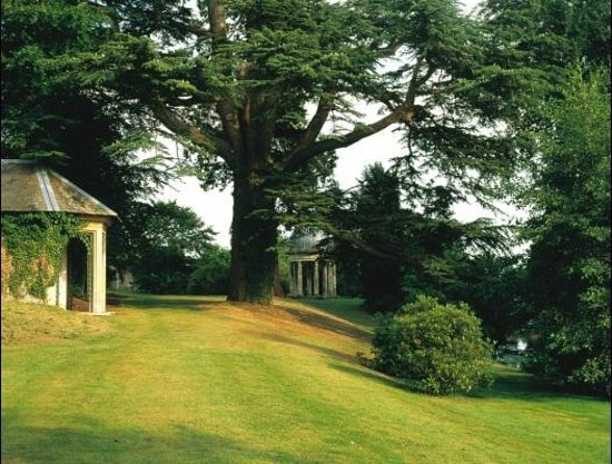 Bishopstrow House: River Gardens