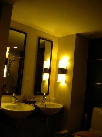 Buri Tara Resort : bathroom