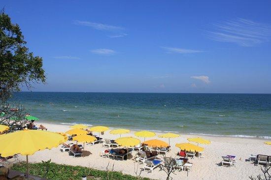 Baan Bayan: Beach