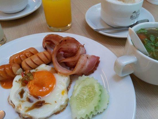 โรงแรมบุรีศรีภู บูติกโฮเต็ล: breakfast