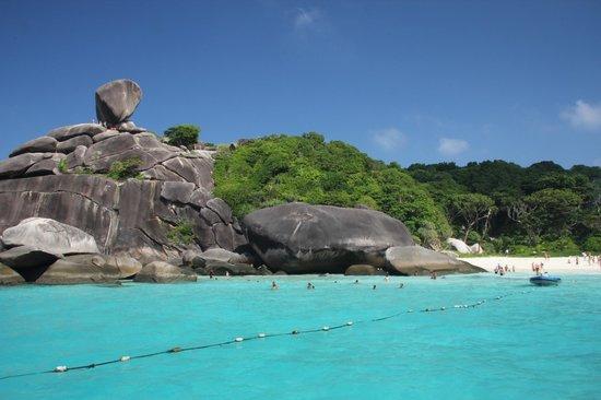Similan Islands National Park:                   isola
