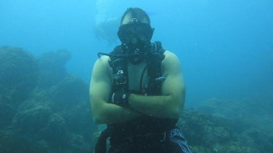 Mad About Diving:                   El Ancla, Isla del Caño, Costa Rica