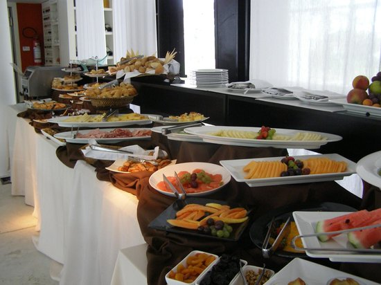Awa Boutique and Design Hotel: desayuno buffet