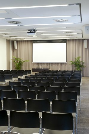 NH Collection Olomouc Congress: Meeting Room Madrid
