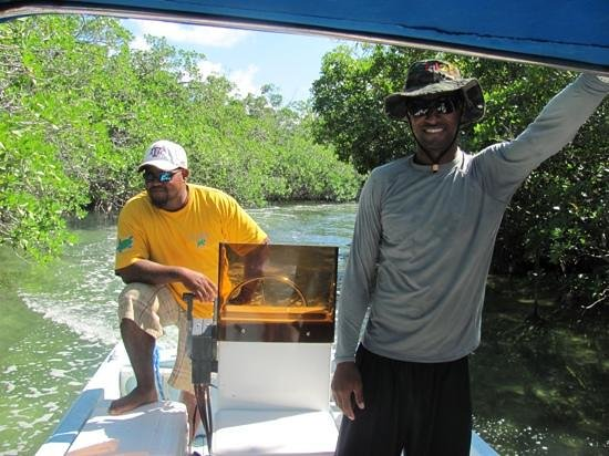 Tranquility Bay Resort: Winfred and Jamaal on our trip through the canal during Bacalar trip.