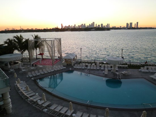 Mondrian South Beach Hotel:                   amanecer desde hab piso 4