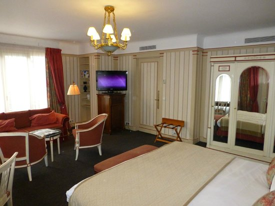 Hotel Napoleon Paris:                   Suite Junior