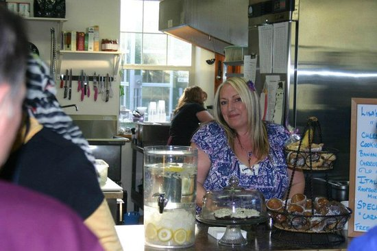 Lisa's Lakeside Bistro:                   Lisa and her staff