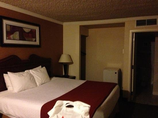 BEST WESTERN PLUS Galleria Inn & Suites:                   quarto