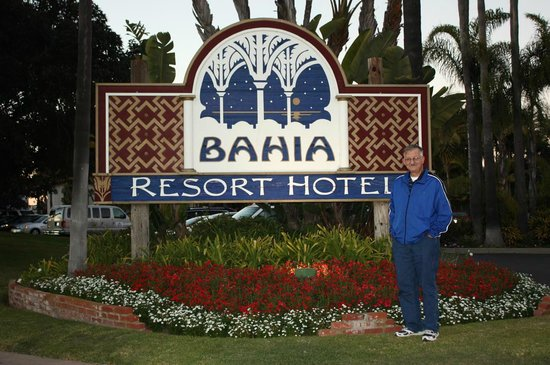 Bahia Resort Hotel:                   Arriving at The Bahia