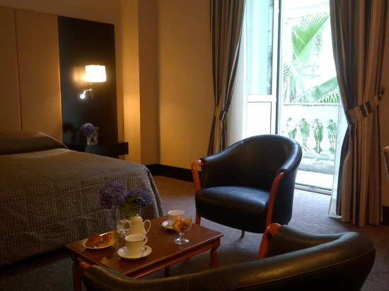 Hotel Savoy: Details
