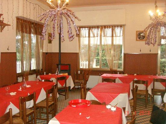 La Pineta:                   Sala interna