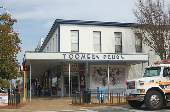 ‪Toomer's Drugs‬