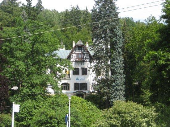 Villa Walir :                   вид на горы