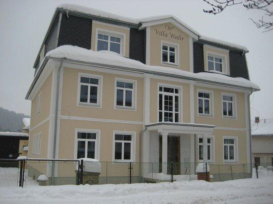 Villa Walir:                   вид на виллу зимой 2011 в момент строительства