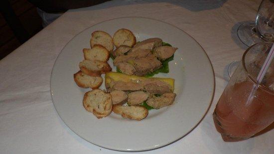 Hôtel Sarimanok :                   Entrée : délicieux Foie gras