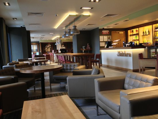 Premier Inn Edinburgh City Centre (Princes Street) Hotel:                   Lounge area