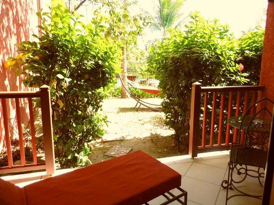 Palm Court Hotel:                   Patio