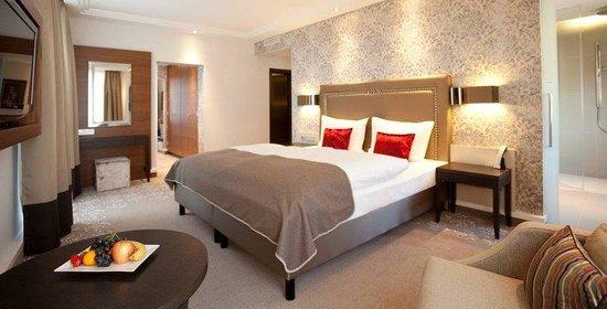 Steigenberger Hotel Drei Mohren: Paganini Suite bedroom