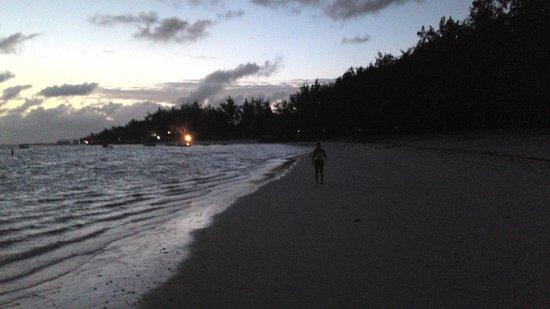 Emeraude Beach Attitude:                   kurz vor Sonnenaufgang