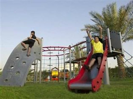 Al Jahra Copthorne Hotel & Resort: Kids Play Area / Garden