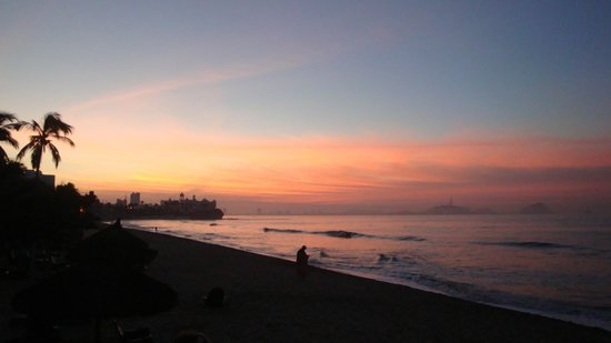 Hotel Playa Mazatlan:                   Atardecer