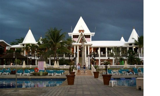 Hotel Riu Palace Tropical Bay:                   pool view at dusk