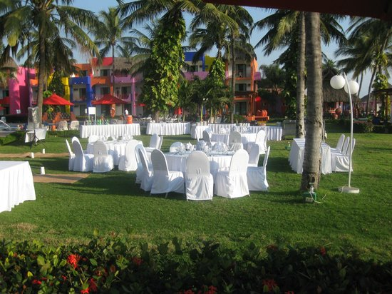 Royal Decameron Complex:                   Wedding reception setting.