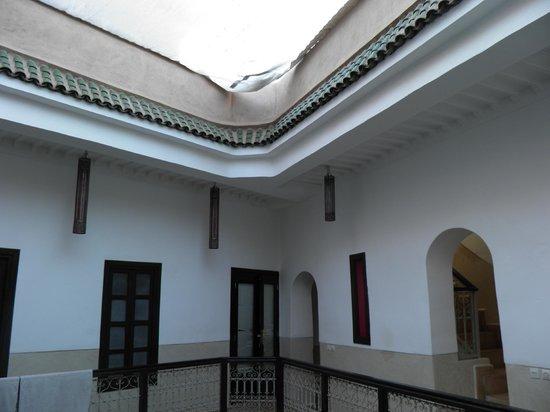 Riad Ghemza:                   Vista de la galería