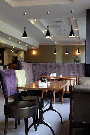 Jurys Inn Belfast: Belfast Bar