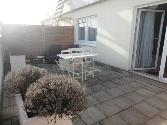 Quality Hotel Augsburg: balcon terraza