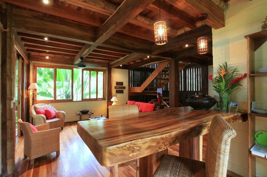 Pranamar Villas and Yoga Retreat: breakfast bar of ocean front villa