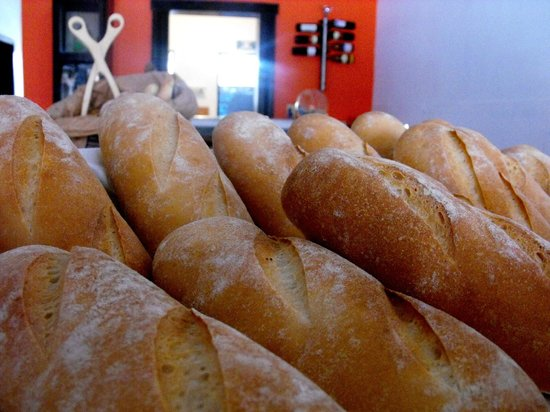 Pan Que Pan, Bistro & Bakery: French Baguette