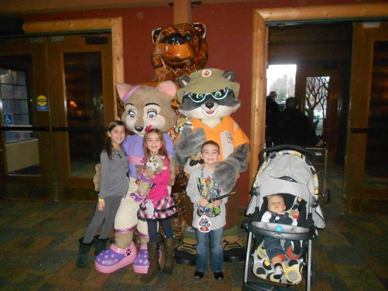 Great Wolf Lodge:                   Character Greeting