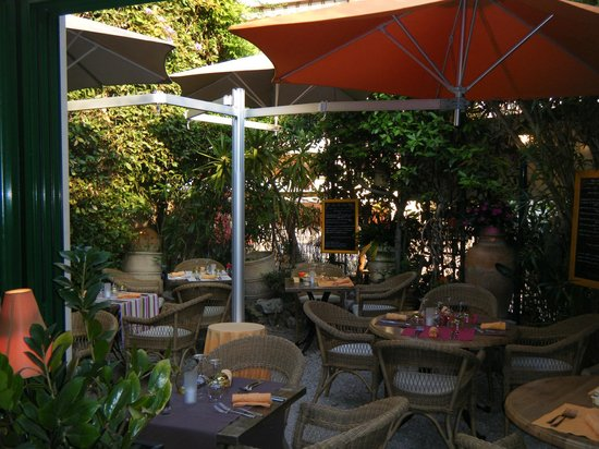 Cote jardin cannes restaurant reviews phone number for Restaurant le jardin antibes