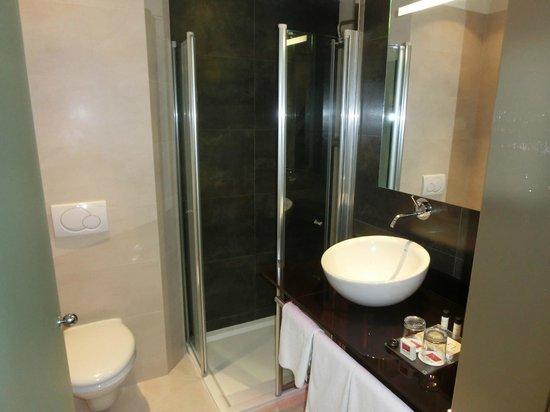 Hotel Parlament:                   Badezimmer