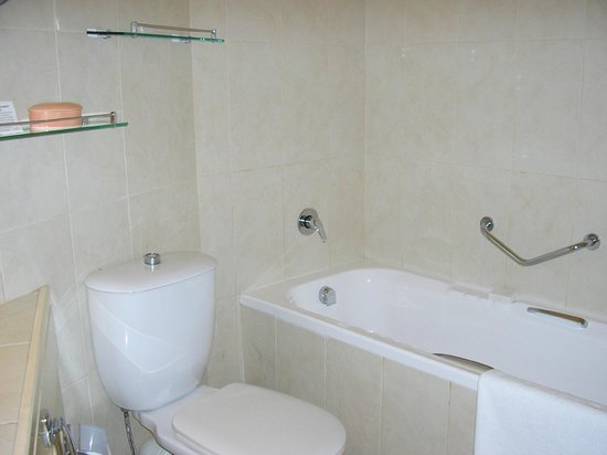 La Pirogue Resort & Spa-Mauritius:                   salle de bains