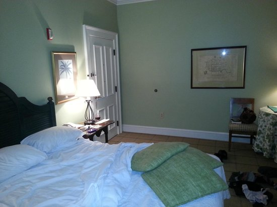 Fulton Lane Inn:                   King Guest Room