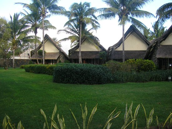 La Pirogue Resort & Spa:                   hotel
