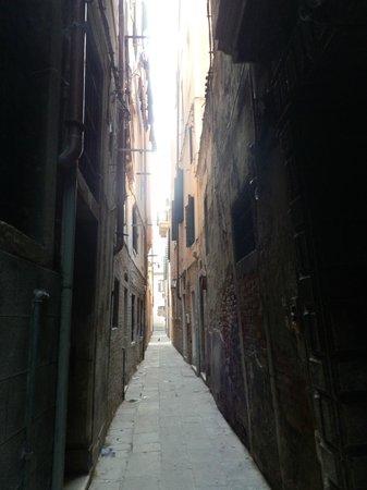 Residenza Ca' San Marco:                   la calle