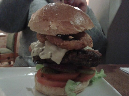 Premier Inn London Kensington (Earl's Court) Hotel:                   huge hamburgers!