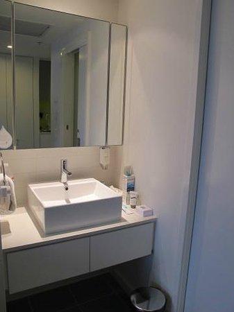 Citadines on Bourke Melbourne: Evier salle de bains