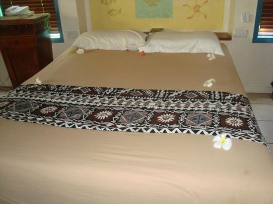 Fiji Hideaway Resort & Spa:                   Double bed upon arrival. There was a single bed also.