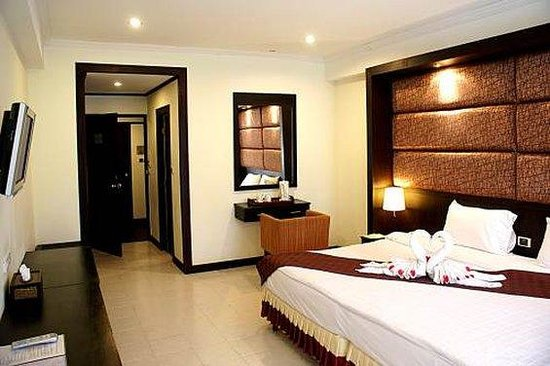 Royal Orchid Resort: Guest Room