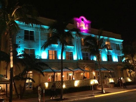 Marriott Vacation Club Pulse, South Beach:                   EL hotel desde Ocean Drive